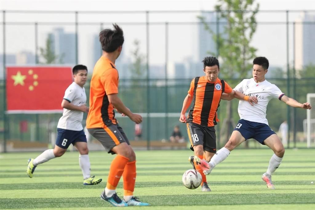 如何打通校园与职业足球良好互动?听听这些教练和球员怎么说