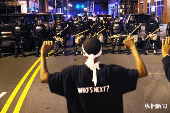 弗洛伊德事件一年后,美国平均每天仍有三个非裔死于警察之手