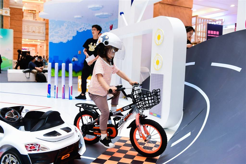 上海道路交通安全宣传大使是他们?还有一场交通安全潮玩展正在举行