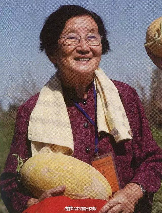 """今天全网都在感谢一位奶奶!与袁隆平同班,给上海市民带来""""夏日甜蜜"""""""