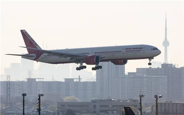 外媒揽要丨5月29日晚报:  拜登宣布制裁白俄罗斯  蝙蝠机舱内乱飞印航班机返航