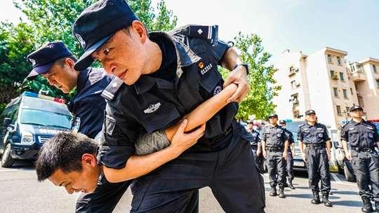 浦东特警战训结合开展练兵彰显特警战力