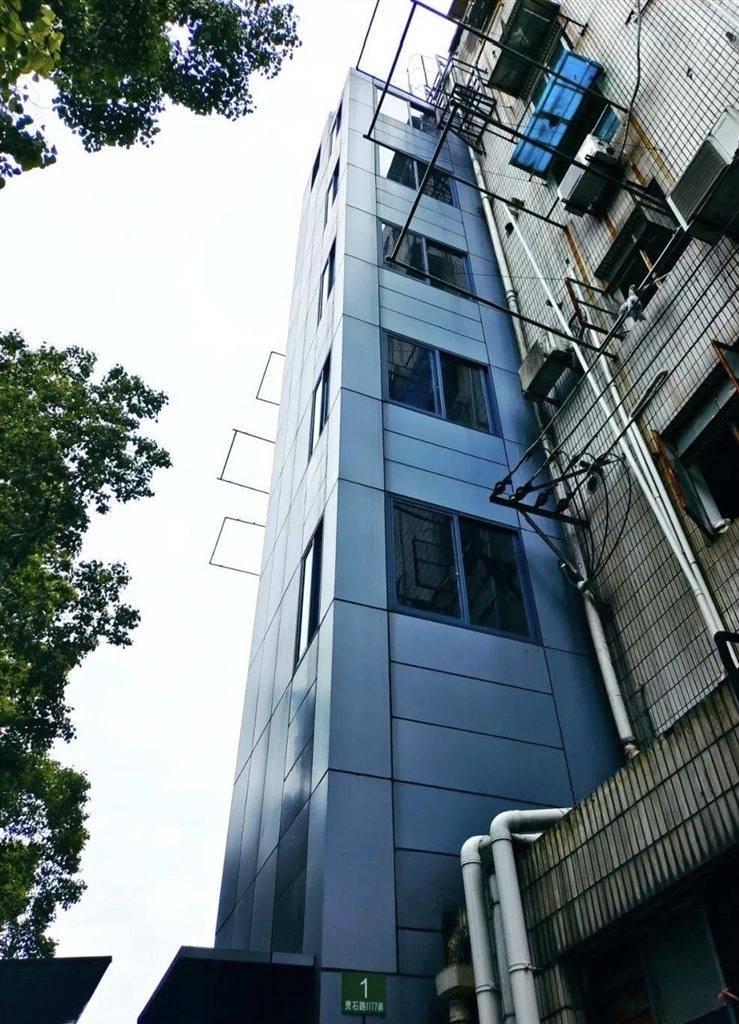 """静安这个小区成为加装电梯""""新样板"""" 退休老党员带头实现""""上海首例"""""""
