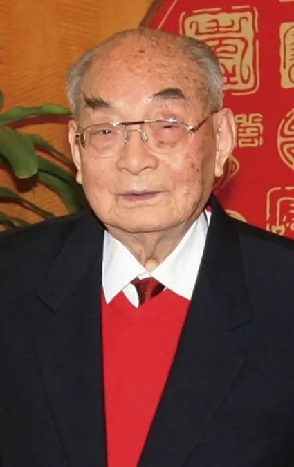 """红色特工创立华商保险头部企业,周恩来称""""他抵一个师""""   红色金融群英谱⑪"""