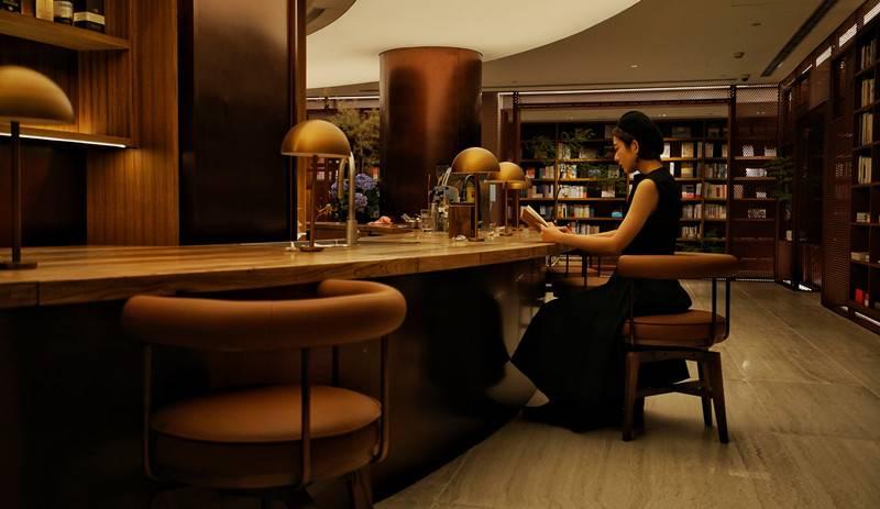 一业一证!黄浦区为网红书店颁出全市首张书店行业综合许可证