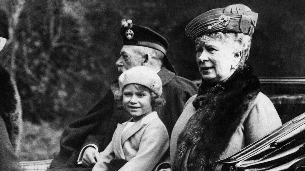 哈里梅根喜获二胎女宝起名致敬伊丽莎白,网友:生娃两天后才公布,梅根得到了隐私