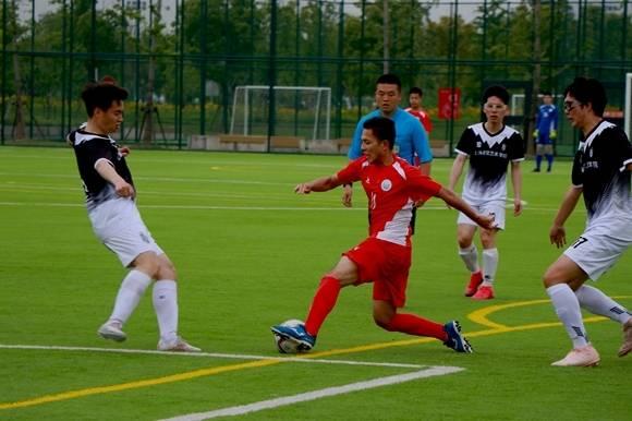 """沪高校足球模式开出""""直升梯""""    球员在全国赛崭露头角"""