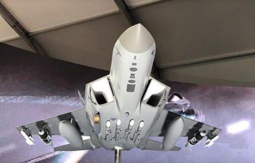 能打十个歼-10的隐形战斗机是样子货?!韩媒:可能是为了骗投资