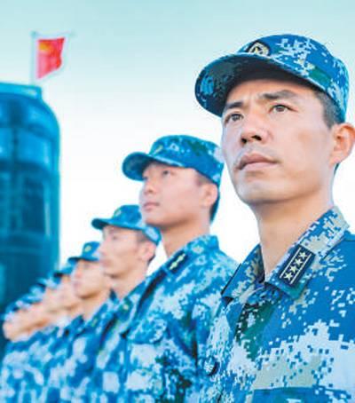 """海军潜艇某支队教练艇长胡晓舟―― """"我们一定守好祖国海疆!""""..."""