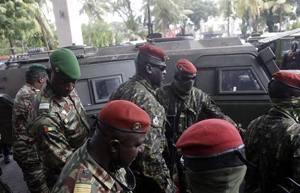 西共体对几内亚政变军人领导人等实施制裁