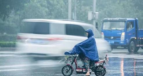 郑州持续强降雨十余座水库调度泄洪,花园口站将现洪水过程