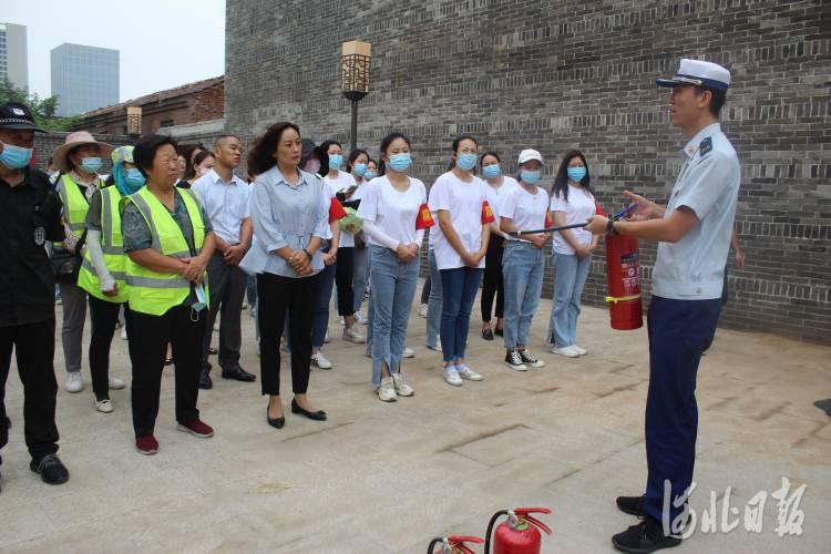 邯郸百余名河北省旅发大会志愿者接受消防安全知识培训