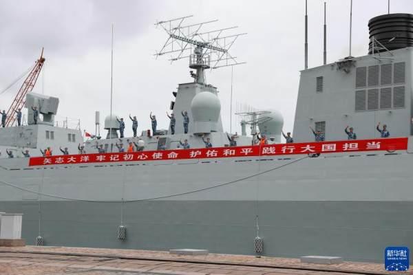 中国海军第39批护航编队起航奔赴亚丁湾[组图]
