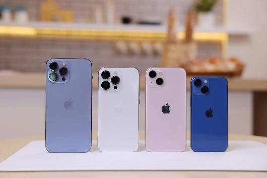 """苹果公司在创新上选择保守策略,""""13香""""到底香不香"""