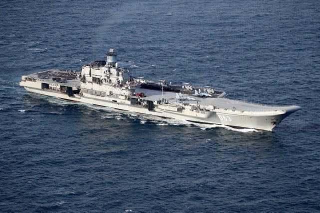 英国专家:中国航母还不如英国,但等有了弹射器和歼20……