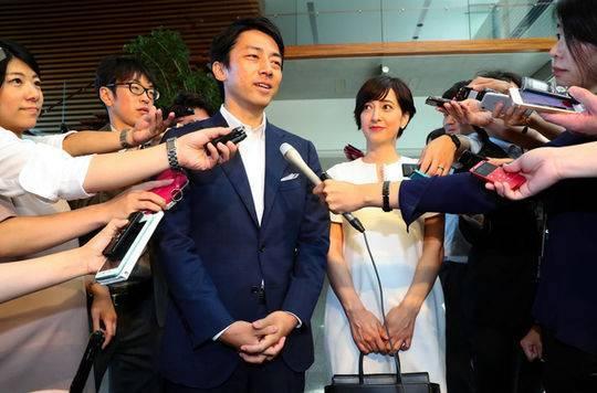 ?关系亮红灯?日媒曝日本前首相小泉纯一郎与儿子进次郎不和