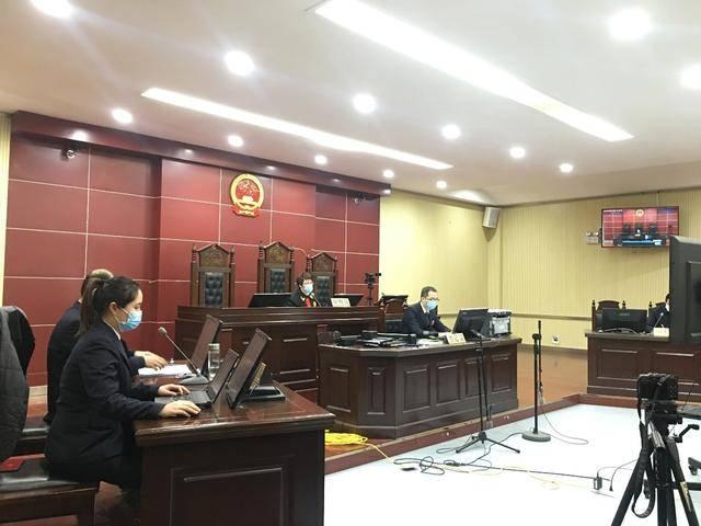 武汉封城后还两次跨城拉客,这个确诊的司机获刑一年