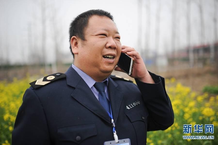 """李磊乐:战""""疫""""中的多面手"""